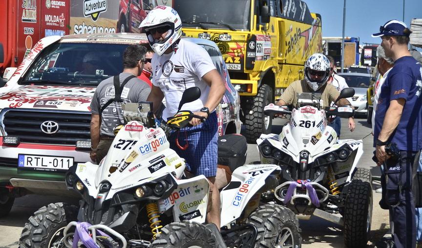 """Ценков и Вачков завършиха първата част от етап 7 на рали """"Дакар"""""""