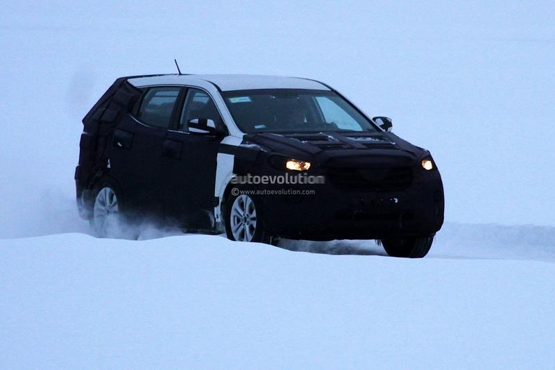 Spyshots: Hyundai ix45 / Santa Fe 2013 в екшън
