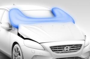 Volvo с външни въздушни възглавници за пешеходците (видео)