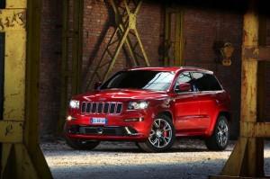 Новият Jeep Grand Cherokee SRT в действие (видео)