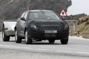 Spyshots: Alfa Romeo CXover на пазара догодина?