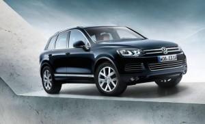 Volkswagen Touareg чукна 10 години, отбелязва ги със специална серия