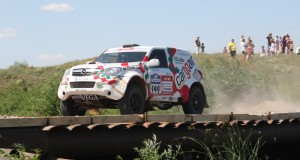 Петър Ценков и Иван Маринов на старта на Silk Way Rally 2013