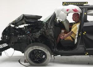 Новият Toyota RAV4 се провали на тест за безопасност в САЩ