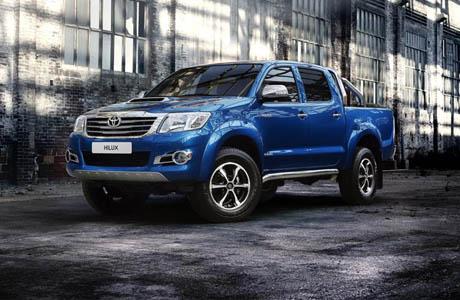 Toyota Hilux Invincible: доза лукс и стил за работягата