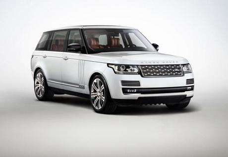Удълженият Range Rover L дебютира след броени дни в Дубай