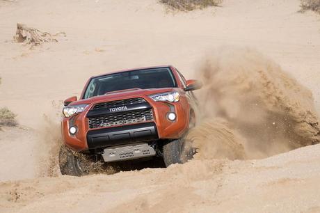 Новата офроуд гама TRD Pro на Toyota блесна в Чикаго (видео)
