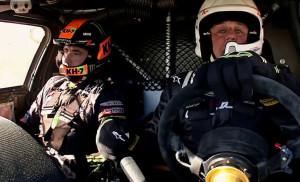 Джей Лено зад волана на дакарското Mini X-Raid с Нани Рома (видео)