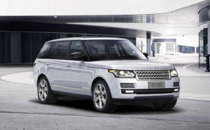 Голям и еко: Range Rover Hybrid Long Wheelbase блесна в Пекин