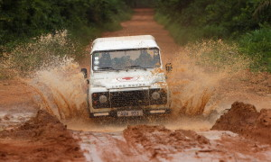 Land_Rover_Red_Cross (1)