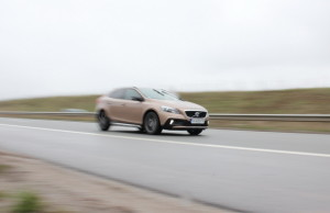 test_volvo_v40_cross_country (1)