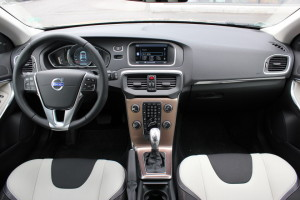 test_volvo_v40_cross_country (2)