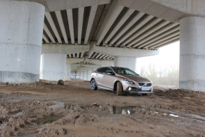 test_volvo_v40_cross_country (5)