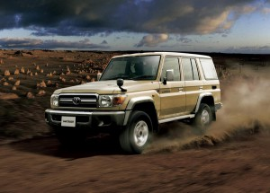 toyota_land_cruiser_70_restart