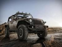 Jeep Wrangler Stealth и Grand Cherokee SRT Red Vapor за Париж