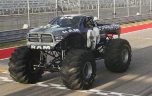 Raminator е най-бързият Monster Truck в света (видео)