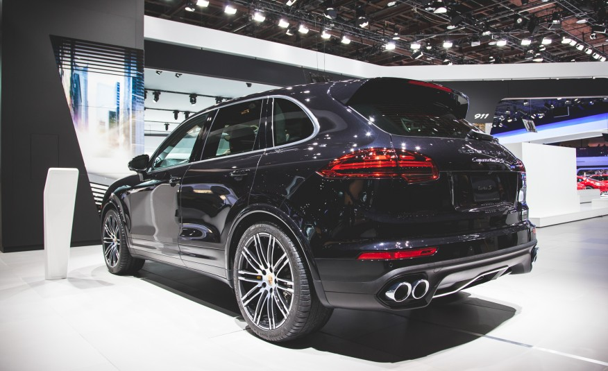 porsche cayenne turbo s 2016 570. Black Bedroom Furniture Sets. Home Design Ideas
