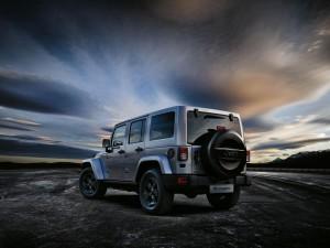 Jeep_Wrangler_Black_Edition_II_back