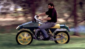 Супер странният мотоциклет Drysdale Dryvtech 2x2x2