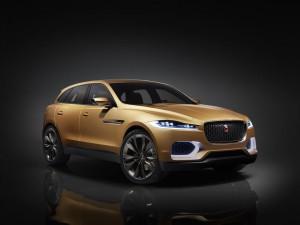 Всъдеходът Jaguar F-Pace на пазара догодина