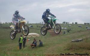 Силни мотокрос състезания в Бяла и Левски