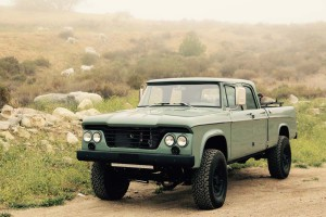 Dodge D200 Power Wagon HEMI от Icon е невероятен