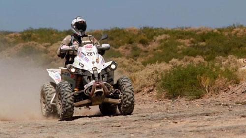 """Репортаж: Петър Ценков завърши етап 11 на рали """"Дакар""""!"""