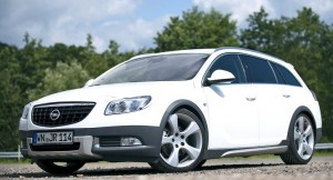 Opel Insignia Country Tourer ще бори Audi Allroad