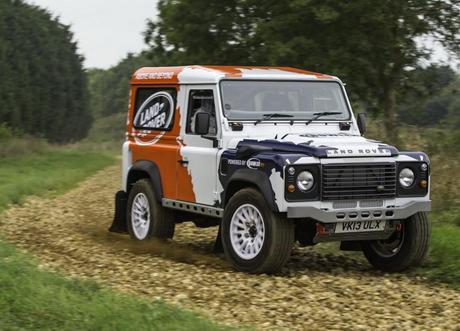 Land Rover и Bowler правят едномарков шампионат Defender Challenge