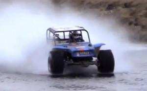 Пилот от Formula Offroad с рекорд за каране по вода – видео