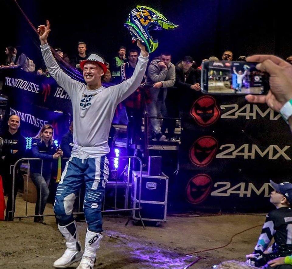 Теодор Кабакчиев е световен Супер Ендуро шампион!