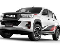 Toyota GR Hilux ще се опъне на Ford Ranger Raptor